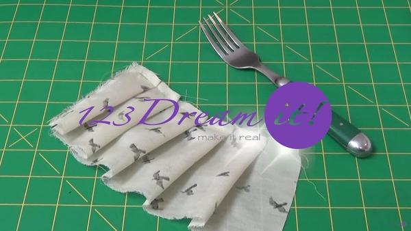 Cómo plisar con un tenedor